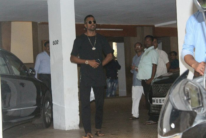 Hardik Pandya seen in Bandra