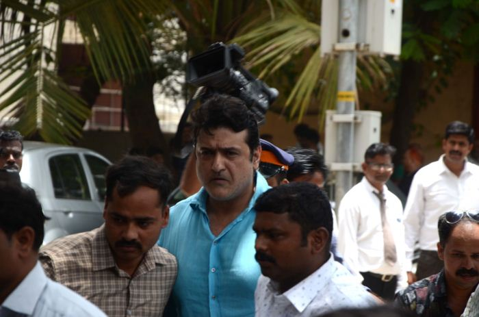 Actor Armaan Kohli being taken to be produced in a Mumbai court on June 13, 2018.